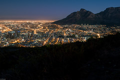 Cape Town at night (knipslog.de) Tags: africa city mountain night table town silent south urlaub hill cape sdafrika tafelberg kapstadt suedafrika