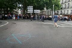 #Nantes: une centaine de personnes ont malicieusement contourn l'interdiction de #manif23juin en faisant un  parcours en pointills... (ValK.) Tags: manif23juin nantes