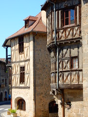 Maisons anciennes de Chateldon. (Mary-Bel (Marie F Papin)) Tags: maisons auvergne marybel colombages