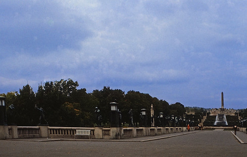 "63 Oslo 1984 Vigelandsanlegget • <a style=""font-size:0.8em;"" href=""http://www.flickr.com/photos/69570948@N04/17040854616/"" target=""_blank"">View on Flickr</a>"