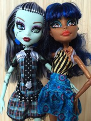 Friends Are Made, not Born (Sasha's Attic) Tags: friends girl monster toy robot high doll steam frankie made teen stein built gynoid assembled robecca