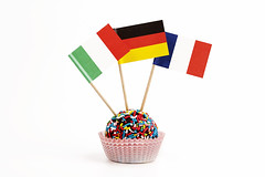 Dolce mondo (Italia, Germania, Francia) (/claudiolanzi1982) Tags: italia pasta dolce festa compleanno francia cioccolato germania mignon pasticceria bandiere zucchero tartufo pasticcino stuzzicadenti stuzzichini codette pirottino