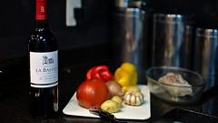 Prato Portugus, Vinho Francs (Andr Felipe Carvalho) Tags: pimento vermelho amarelo gastronomia vinho tomate cozinha cebola alho culinria bacalhau fcil