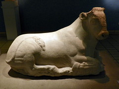 Marble figure of a recumbent bull, British Museum (Peter O'Connor aka anemoneprojectors) Tags: 2016 ancient antiquity art artefact bloomsbury britishmuseum bull camden england greek kerameikos kodakeasysharez981 london londonboroughofcamden marble museum room20 sculpture statue z981 kodak uk