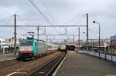 20160521 NMBS 2812 + I10/I6, Antwerpen (Bert Hollander) Tags: cobra loc i10 trein berch nsi traxx nmbs locomotief i6 2812 antwerpenberchem eloc rijtuigen br186 186204 9216icasdbrusz