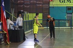 TUCAPEL VS WOLF__44 (loespejo.municipalidad) Tags: chile santiago miguel azul noche amarillo bruna silva deportes jovenes balon rm adultos alcalde competencia basquetbol loespejo