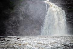 Le souffle/The roar/Kraften [Explore] (Elf-8) Tags: fall water rock river flow energy geology parcdeschutesdelachaudière