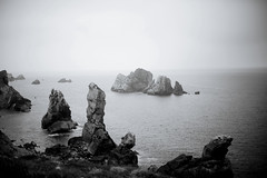 El Mar (NoelleBuske) Tags: ocean light sea sky espaa nature beautiful beauty contrast landscape mar intense spain nikon rocks monochromatic northern noelle cantabria buske noellebuske noellebuskephotography