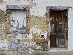 Fachada de Faro (John LaMotte) Tags: faro algarve fachada fenêtre fenetre ventana window janela portugal puerta porta door deterioro decayed infinitexposure ilustrarportugal