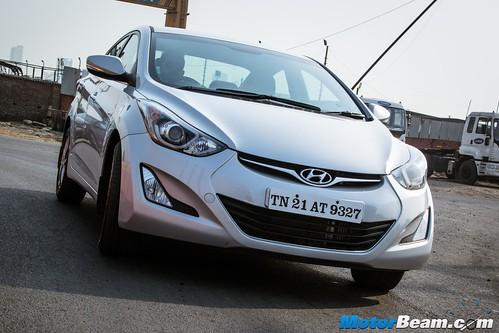 2015-Hyundai-Elantra-05