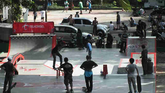 Taman Skateboard Lapangan Sempur