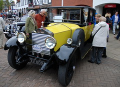 Yellow Rolls Royce, Stratford-upon-Avon Festival of Motoring 2016. (Roly-sisaphus) Tags: uk greatbritain england cars unitedkingdom gb warwickshire automobiles stratforduponavon midlands festivalofmotoring nikond802016dsc0587