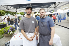_94A0732 North Hills Farmers Market Chef Event 4.30.16 (Visit North Hills) Tags: farmersmarket midtown local mura ironchef northhills 2016 strwberry surlatable shoplocal midtowngrill midtownraleigh midtownevents northhillsevents terrencejonesphotography