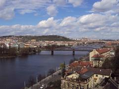 Praga - Praha (Matt Piro) Tags: city bridge houses sky panorama clouds river landscape nuvole prague sony fiume hill praha praga case ponte cielo paesaggio collina moldova citt