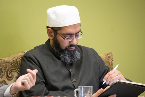 "Shaykh Yahya Rhodus at SeekersHub, Toronto and Seminar Series: Worship, Coffee and The Meaning of Life • <a style=""font-size:0.8em;"" href=""http://www.flickr.com/photos/88425658@N03/26567041320/"" target=""_blank"">View on Flickr</a>"