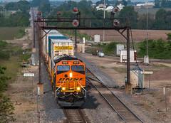 Past Meets Present (Conrail4ever) Tags: santa railroad burlington train illinois 4 trains signals searchlight fe northern ge bnsf tier gevo transcon edelstine et44c4