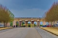 Versailles - 72 devant le Grand Trianon (paspog) Tags: park france castle spring versailles april schloss avril chteau parc printemps castel grandtrianon frhling 2016