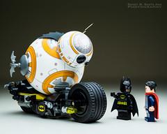 BB-8 : Big Batman Fan. (Randy Santa-Ana) Tags: starwars lego superman batman sphero legobatman bb8 legominifigures legosuperman theforceawakens spherobb8