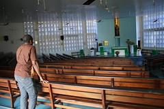 Interior da igreja Nossa Senhora das Graas em Floriano-PI 207 (vandevoern) Tags: brasil banco altar igreja piaui matriz parquia floriano vandevoern