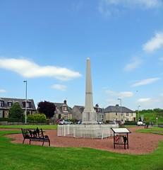Stewarton War Memorial (Bricheno) Tags: park scotland escocia warmemorial szkocja schottland ayrshire scozia cosse stewarton  esccia   bricheno scoia