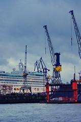 Hambourg 45 Dry dock, cale sche (paspog) Tags: port germany deutschland harbour hamburg hafen allemagne hambourg elbpromenade