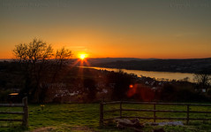 Sinking sun (Ollie_57.. Slowly catching up) Tags: uk sunset england tree nature canon fence river landscape countryside spring view scenic silhouettes scene devon 7d hdr apr feilds teignmouth 2015 shaldon riverscape ef24105mm ollie57 saariysqualitypictures