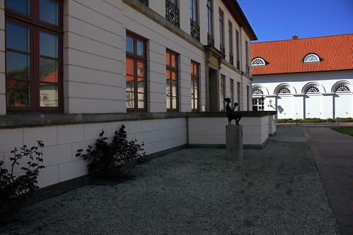 "Am Schlossplatz, Eutin (03) Kavalierhaus und Marstall • <a style=""font-size:0.8em;"" href=""http://www.flickr.com/photos/69570948@N04/26916336482/"" target=""_blank"">View on Flickr</a>"