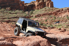 moab-105 (LuceroPhotos) Tags: utah jeeps moab cliffhanger jeeping