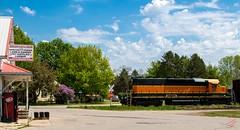 Good ole Abrams (ilvchevs) Tags: road railroad clouds train bluesky trains locomotive abrams els emd sd40 1338 ilsx