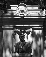 Richard Morris Hunt Memorial (Oquendo) Tags: newyorkcity monument centralpark architect fifthavenue richardmorrishunt