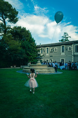 _MG_3505 (Axel Mlyr) Tags: mariage wedding weddingday little girl dress balloon domaine