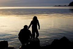 Ti Kapa Sunset 2 (ArdieBeaPhotography) Tags: boy silhouette thames gulf uncle young nephew firth hauraki