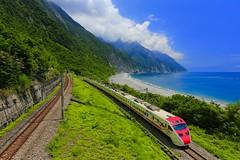 ( Daniel) Tags: canon6d  hualien             landscape          sea seascape seaside        train travel  puyuma   temu2000  temu2000     rail   ef1635mmf28liiusm                      taiwan