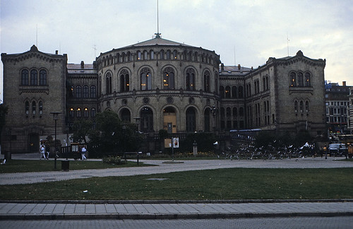 """54 Oslo 1984 Parlament • <a style=""""font-size:0.8em;"""" href=""""http://www.flickr.com/photos/69570948@N04/16433621244/"""" target=""""_blank"""">View on Flickr</a>"""