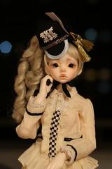 IMG_8315 (Emma Wolf) Tags: doll bjd customblythe obitsucustom classydoll dimdolllarina mystickids zinnadollmore