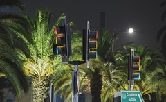 SEMAFOROS (vicente.rosselot) Tags: chile street city santiago light de long exposure traffic ciudad stoplight calles semáforo larga exposición tránsito carbineros