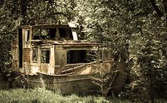 Stari ruzinavi brod