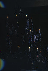 01 Weihnachten 1980 (Rüdiger Stehn) Tags: 1980 dia slide analogfilm scan canoscan8800f minoltasrt100x weihnachten winter europa mitteleuropa deutschland norddeutschland germany schleswigholstein kronshagen weihnachtsbaum 1980er diapositivfilm analog kleinbild kbfilm 35mm indoor innenaufnahme rüdigerstehn innenansicht innenraum interior