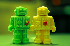 Robot Valentines (James Hodgson Photography) Tags: white macro green love smiling cake canon toy happy robot holding hands heart chocolate twin mini valentine sugar present clockwork process f28 2470mm 5dmk2