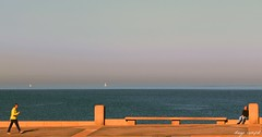 meet point (Diego Campot) Tags: sea people mar montevideo rambla