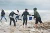Cadena humana (Malia León ) Tags: water animal canon lluvia agua gente huelva playa arena help sos temporal ballena ayamonte ayuda humanidad acuático emoción varada puntadelmoral rorcual malialeon
