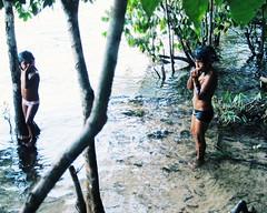 Aldeia Quatro Cachoeiras (fergprado) Tags: travel brazil nature water rio gua brasil kids river children culture crianas floresta florest cultura tribo indigenous aldeia ndio cahoeira idigena