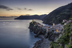 Sunset in Vernazza - Cinque Terre (Italy) (luke.switzerland) Tags: sunset sea italy sun seascape lights nikon rocks cityscape village liguria terre vernazza cinque d810