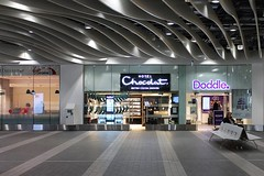 Hotel Chocolat Doddle and Virgin Trains Grand Central New Street Station Birmingham (@oakhamuk) Tags: uk station birmingham railway shoppingcentre trains rutland grandcentral oakham eastmidlands birminghamnewstreet martinbrookes