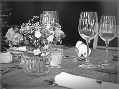 creation (friedrichfrank1966) Tags: flowers wedding bw black table blumen vase tisch hochzeit whitw glser glases schwarzweis kreation