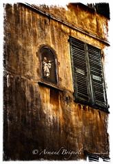 Marie. (armandbrignoli) Tags: marie faade volet window or statue architecture vieux nice canon 5dsr