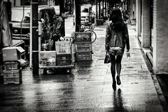 Sductrice sur piste mouille (www.danbouteiller.com) Tags: japan japon japanese japonais japonaise woman femme girl tokyo ginza city ville urban photo de rue photoderue street streetscene streetlife streets streetshot monochrome monochromatic black white noir blanc noiretblanc noirblanc et blackandwhite blackwhite bw nb