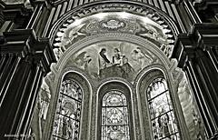 Interior de Igreja (Antonio Marin Jr) Tags: blackandwhite bw pb pretoebranco vitral arquitetur interiordeigreja antoniomarinjr