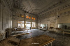 Recreation Room (Fine Art Foto) Tags: haus der anatomie house anatomy physio schule school urbex urbanexploration urbandecay urban lostplace lostplaces lost abandoned aufgegeben oblivion rotten decaying decay derelict recereation room