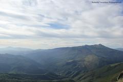 panorama dal Vettoretto 2.052 mt (Roberto Tarantino EXPLORE THE MOUNTAINS!) Tags: parco 2000 nuvole neve alta monte amici montagna marche umbria cresta sibillini vettore quota metri